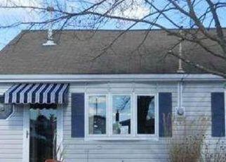 Casa en ejecución hipotecaria in Tuckerton, NJ, 08087,  LAKE HURON DR ID: F4234466