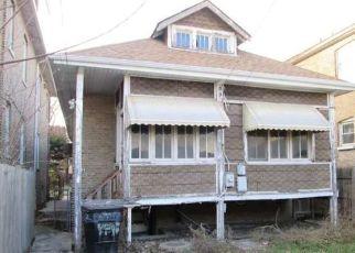 Casa en ejecución hipotecaria in Chicago, IL, 60629,  S ARTESIAN AVE ID: F4234833