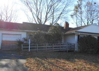 Casa en ejecución hipotecaria in Stratford, CT, 06614,  DELWOOD RD ID: F4236206
