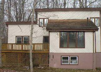 Casa en ejecución hipotecaria in East Stroudsburg, PA, 18301,  WOODLAND DR ID: F4236335
