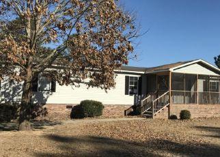 Casa en ejecución hipotecaria in Saint Pauls, NC, 28384,  E MCRAINEY RD ID: F4239789