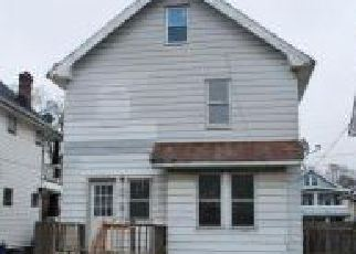 Casa en ejecución hipotecaria in Cleveland, OH, 44102,  W 95TH ST ID: F4239967