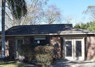 Casa en ejecución hipotecaria in Marrero, LA, 70072,  PRITCHARD RD ID: F4240136