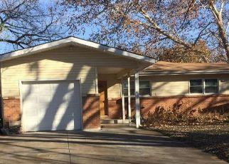Casa en ejecución hipotecaria in Derby, KS, 67037,  S DERBY AVE ID: F4240160