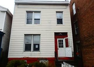 Casa en ejecución hipotecaria in Troy, NY, 12182,  4TH AVE ID: F4240340