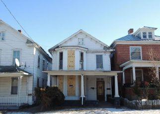 Casa en ejecución hipotecaria in Martinsburg, WV, 25401,  WINCHESTER AVE ID: F4240449