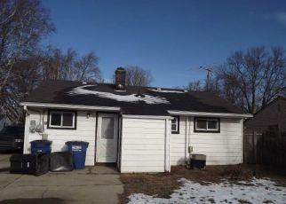 Casa en ejecución hipotecaria in Westland, MI, 48186,  HAZELWOOD ST ID: F4242163