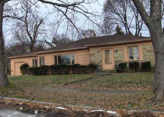 Casa en ejecución hipotecaria in Rochester, NY, 14609,  TARRINGTON RD ID: F4243273