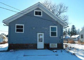 Casa en ejecución hipotecaria in Cedar Rapids, IA, 52404,  16TH AVE SW ID: F4244802