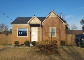 Casa en ejecución hipotecaria in Westwego, LA, 70094,  WEST DR ID: F4245598