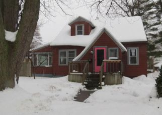 Casa en ejecución hipotecaria in Muskegon, MI, 49441,  W LARCH AVE ID: F4245637