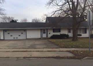 Casa en ejecución hipotecaria in Crystal Lake, IL, 60014,  S MCHENRY AVE ID: F4246837