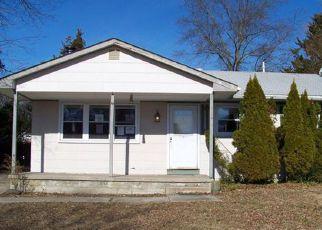 Casa en ejecución hipotecaria in Tuckerton, NJ, 08087,  LAKE PLACID DR ID: F4247070