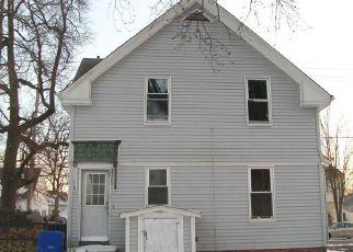 Casa en ejecución hipotecaria in Pawtucket, RI, 02861,  VINE ST ID: F4247649