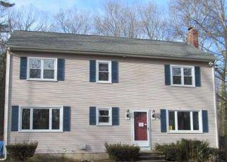 Casa en ejecución hipotecaria in Pascoag, RI, 02859,  KNIBB RD ID: F4249424