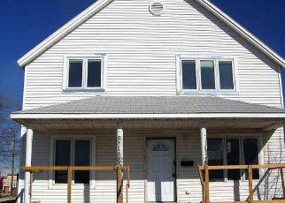 Casa en ejecución hipotecaria in Hutchinson, KS, 67501,  W 5TH AVE ID: F4250045