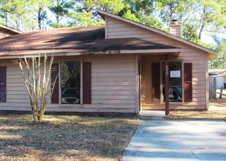 Casa en ejecución hipotecaria in Jacksonville, NC, 28546,  VILLAGE DR ID: F4250207