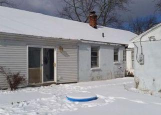 Casa en ejecución hipotecaria in Waterford, MI, 48327,  ELIZABETH LAKE RD ID: F4251373