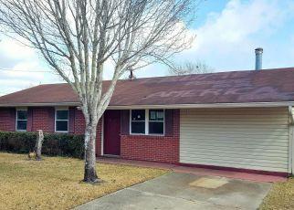 Casa en ejecución hipotecaria in Vancleave, MS, 39565,  OAK ST ID: F4253927