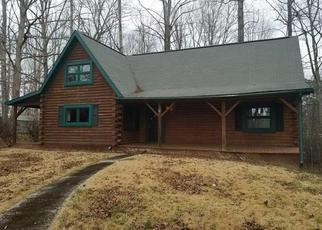 Casa en ejecución hipotecaria in Mount Airy, NC, 27030,  FARMBROOK RD ID: F4254618