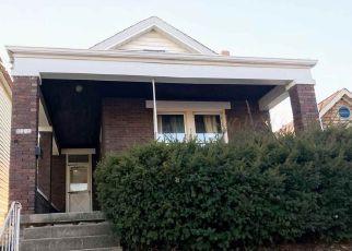 Casa en ejecución hipotecaria in Latonia, KY, 41015,  GRACE AVE ID: F4254784