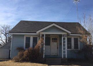 Casa en ejecución hipotecaria in Hutchinson, KS, 67501,  N MONROE ST ID: F4254800