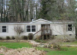 Casa en ejecución hipotecaria in Hendersonville, NC, 28792,  HOWARD GAP RD ID: F4255147
