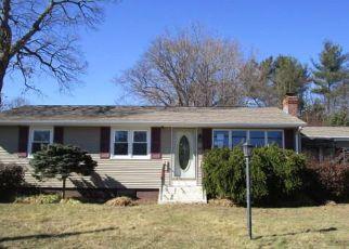 Casa en ejecución hipotecaria in Cranston, RI, 02920,  RED ROBIN RD ID: F4255409