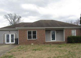 Casa en ejecución hipotecaria in Oak Grove, KY, 42262,  CHURCHILL DR ID: F4255603
