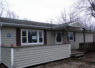 Casa en ejecución hipotecaria in New Castle, IN, 47362,  S 26TH ST ID: F4255628