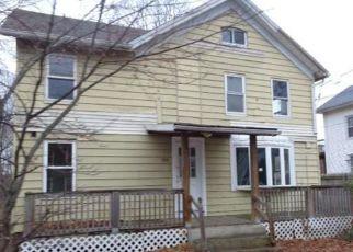 Casa en ejecución hipotecaria in Meriden, CT, 06450,  CENTER ST ID: F4257849