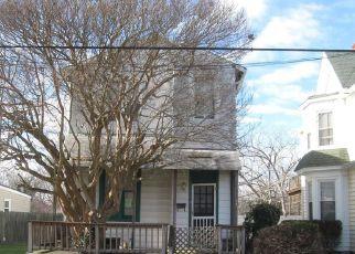 Casa en ejecución hipotecaria in Hampton, VA, 23663,  S WILLARD AVE ID: F4258072