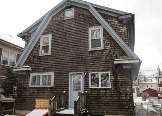 Casa en ejecución hipotecaria in Cranston, RI, 02910,  GLENWOOD AVE ID: F4259784