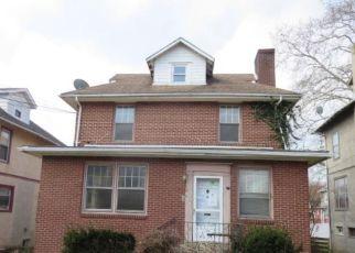 Casa en ejecución hipotecaria in Darby, PA, 19023,  MAIN ST ID: F4260140