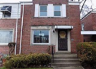Casa en ejecución hipotecaria in Chicago, IL, 60617,  S JEFFERY AVE ID: F4261678