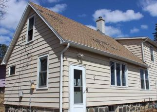 Casa en ejecución hipotecaria in Duluth, MN, 55810,  3RD AVE ID: F4262637