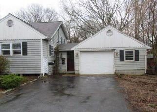 Casa en ejecución hipotecaria in Westerly, RI, 02891,  RIVERDALE RD ID: F4263700