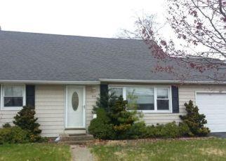 Casa en ejecución hipotecaria in Island Park, NY, 11558,  MADISON AVE ID: F4263915