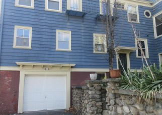 Casa en ejecución hipotecaria in Providence, RI, 02907,  ADELAIDE AVE ID: F4263936
