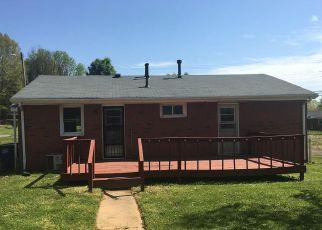 Casa en ejecución hipotecaria in Winston Salem, NC, 27105,  TERESA AVE ID: F4265332