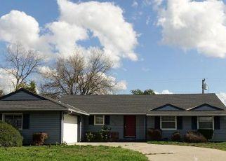 Casa en ejecución hipotecaria in Sacramento, CA, 95823,  FOREST PKWY ID: F4266771