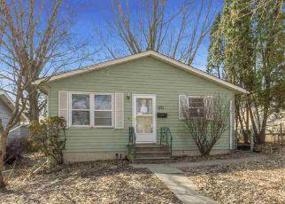 Casa en ejecución hipotecaria in Cedar Rapids, IA, 52404,  21ST AVE SW ID: F4267415