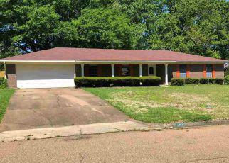 Casa en ejecución hipotecaria in Clinton, MS, 39056,  CANTERBURY LN ID: F4268351