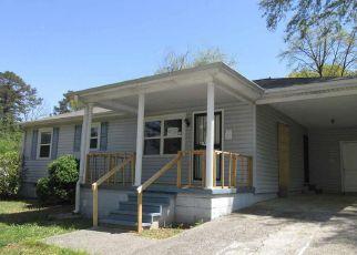Casa en ejecución hipotecaria in Birmingham, AL, 35215,  6TH ST NE ID: F4269337