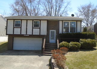 Casa en ejecución hipotecaria in Mchenry, IL, 60051,  MAY AVE ID: F4269550