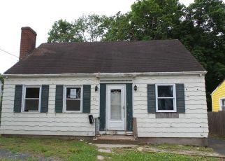 Casa en ejecución hipotecaria in Manchester, CT, 06042,  CAMBRIDGE ST ID: F4276396