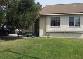 Casa en ejecución hipotecaria in Montclair, CA, 91763,  POULSEN AVE ID: 70113776