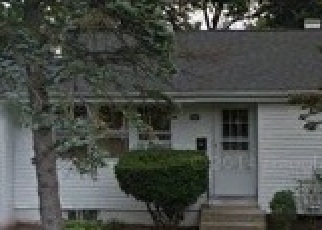 Casa en ejecución hipotecaria in Brentwood, NY, 11717,  CLAYWOOD DR ID: 6219344