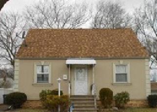 Casa en ejecución hipotecaria in North Brunswick, NJ, 08902,  PARKWAY ID: 6273017