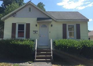 Casa en ejecución hipotecaria in Westbrook, ME, 04092,  LONGFELLOW ST ID: 6291729